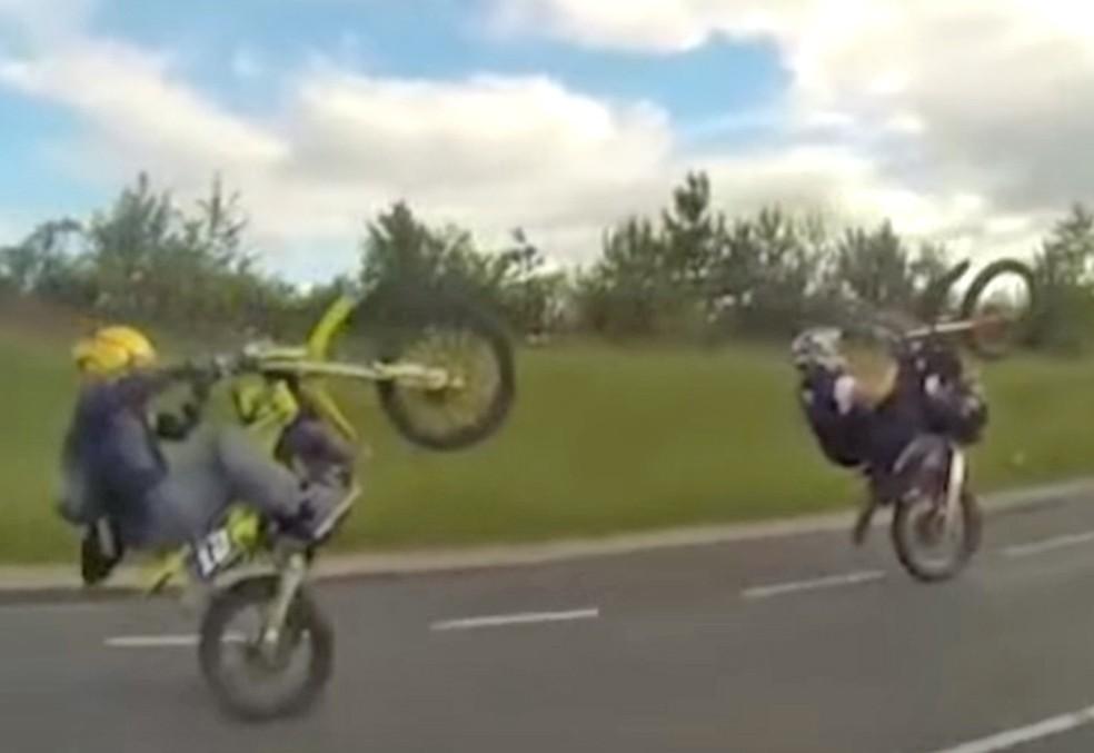Outros motociclistas também estão sendo investigados no caso que teve Adam Campion preso na Inglaterra (Foto: Reprodução/Youtube)