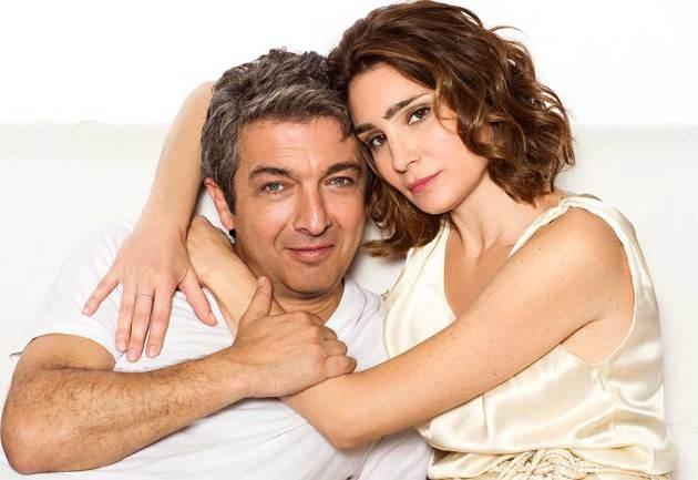 Ricardo Darín e Valeria Bertuccelli em foto promocional da peça 'Escenas de la vida conyugal', de 2014 (Foto: Divulgação)