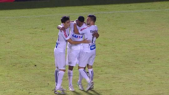 """""""Copelé"""": torcida do Santos se empolga com atuação de Copete contra o Vitória"""