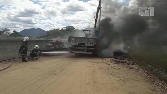 Uma pessoa morre e outra fica em estado grave após acidente em construção de ponte em Acaraú, no Ceará