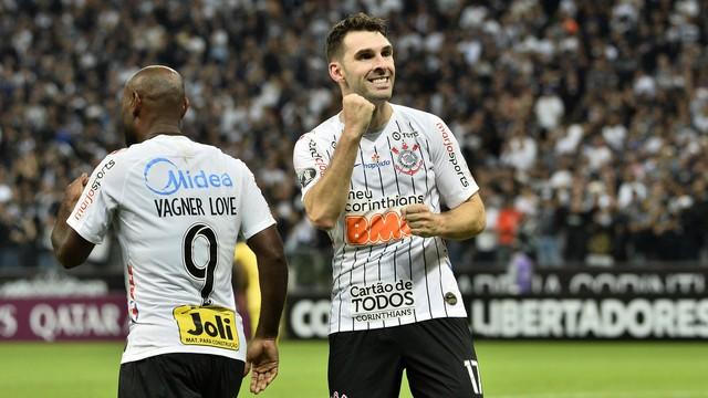 Boselli comemora o segundo gol do Corinthians
