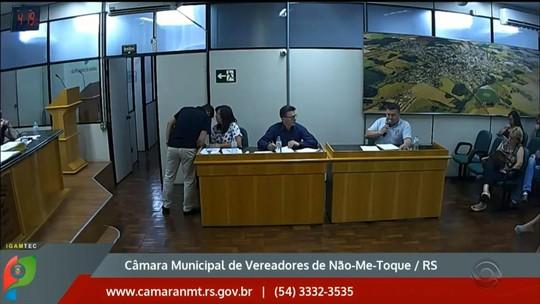 Justiça afasta da Mesa Diretora presidente da Câmara de Vereadores de Não-Me-Toque