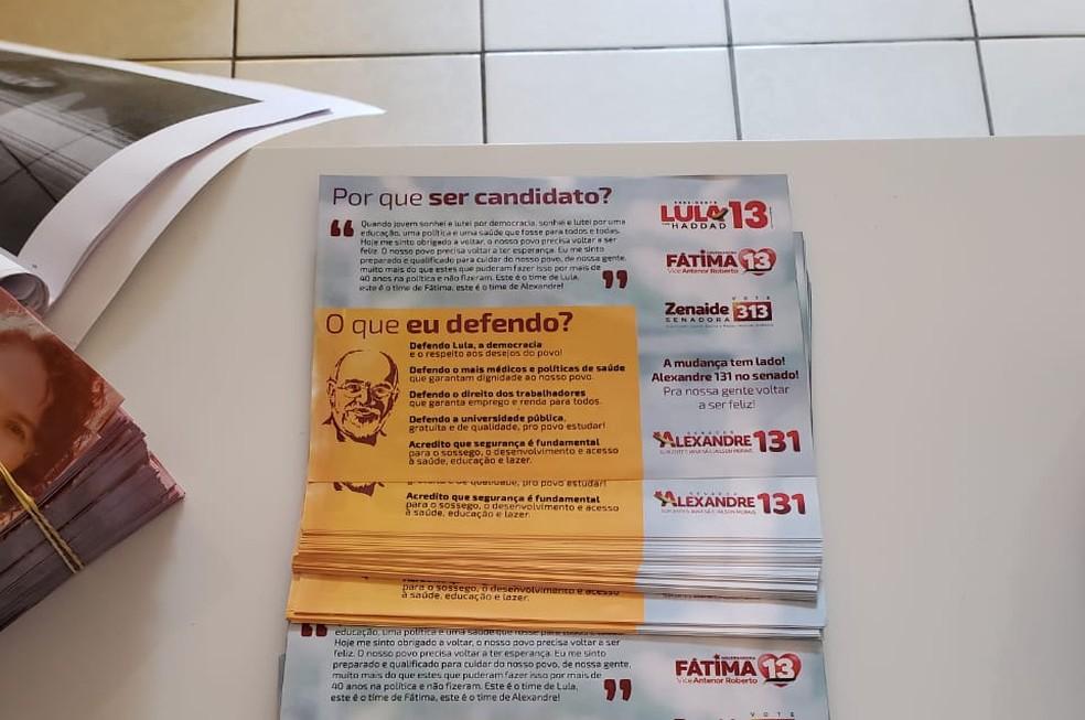 Folhetos apreendidos pelo MPE em Currais Novos, RN, apresentam Lula como candidato a presidente e Haddad como vice — Foto: MPE/Divulgação