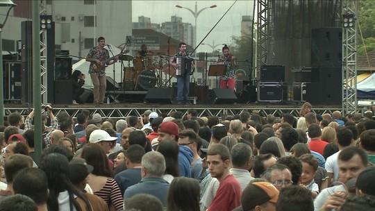 Dia do Trabalho é comemorado por 12 mil pessoas em Joinville