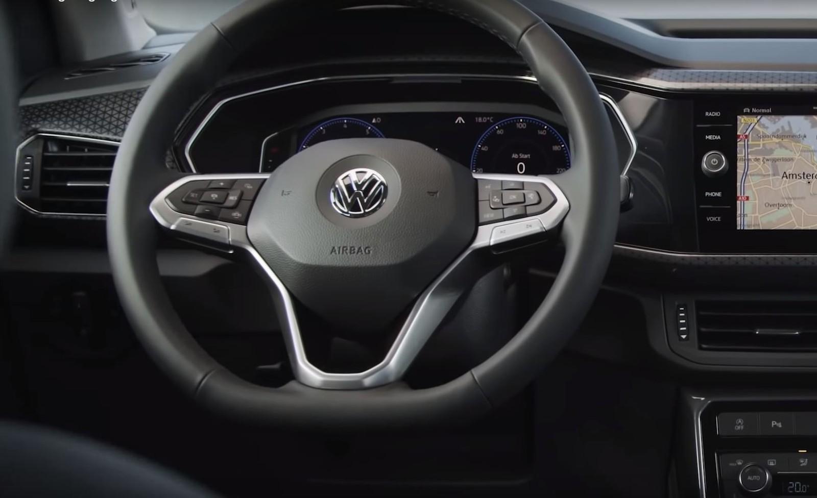Volkswagen dá 'spoiler' e mostra detalhes do SUV compacto T-Cross Tcross1