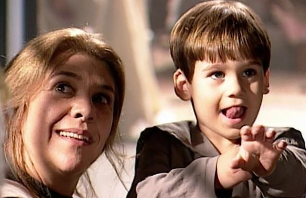 """Nicolas Prattes também estreou na TV em """"Terra nostra"""", aos 3 anos. Ele interpretou o filho de Matteo (Thiago Lacerda) e Giuliana (Ana Paula Arósio) (Foto: TV Globo)"""