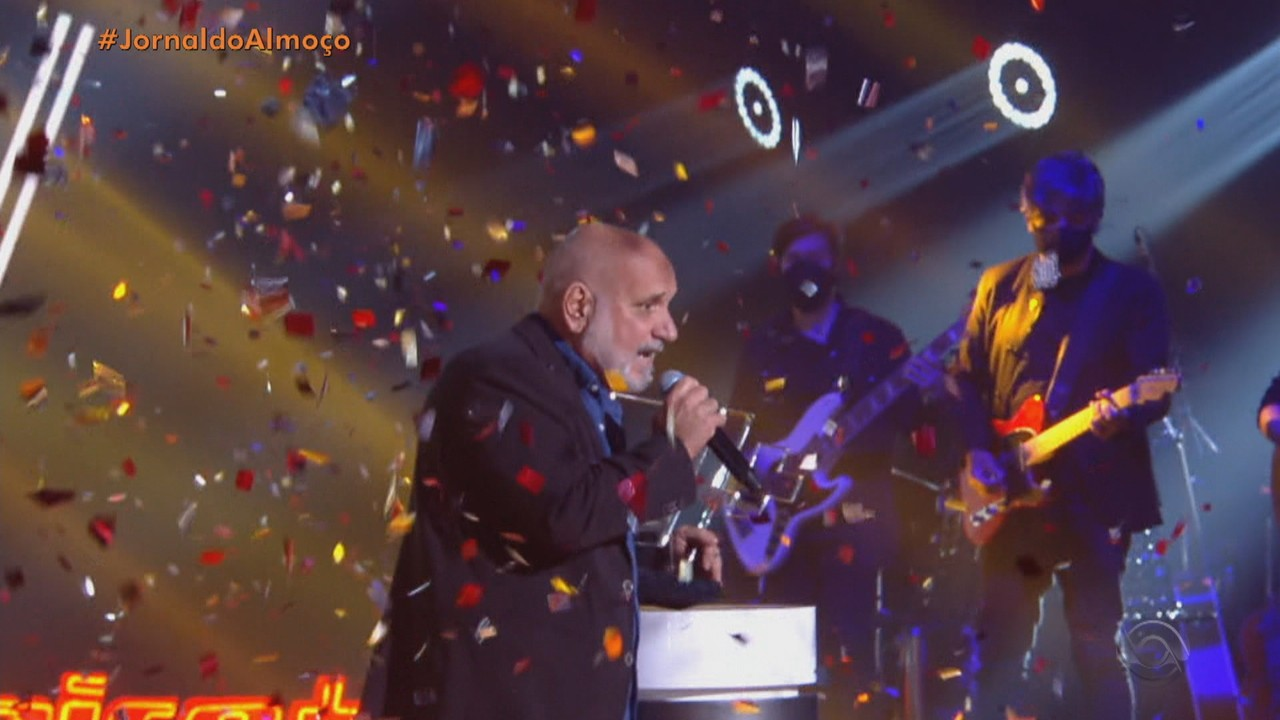 Zé Alexandre é o vencedor do The Voice+; cantor já participou de festivais no RS
