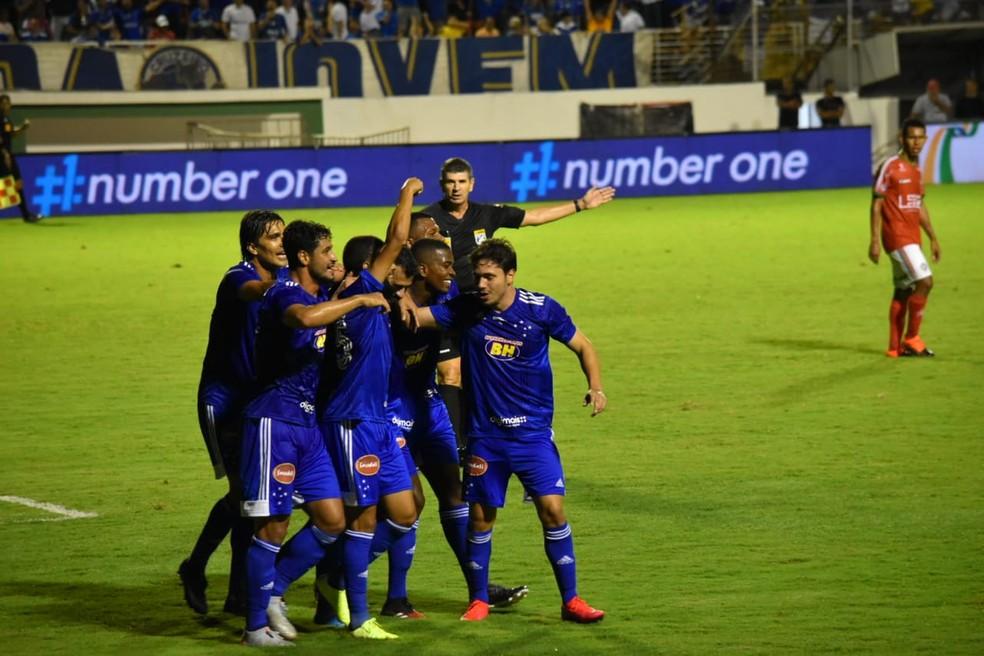 Cruzeiro comemora o gol marcado contra o Boa Esporte — Foto: Franco Júnior