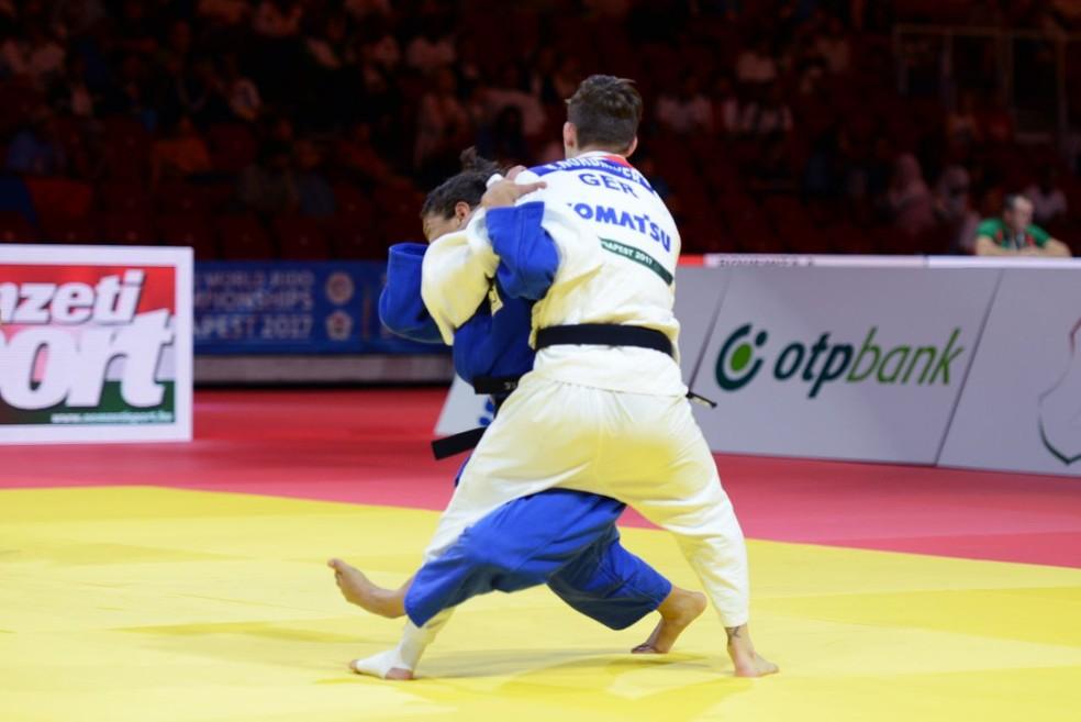 Sarah Menezes tentou, mas não foi possível. Ela deixa o Mundial de Judô (Foto: Paulo Pinto / CBJ)