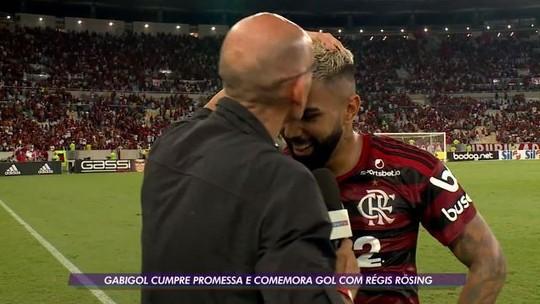 Gabigol bate recorde e comemora gol com beijo em Régis Rösing, que retribui