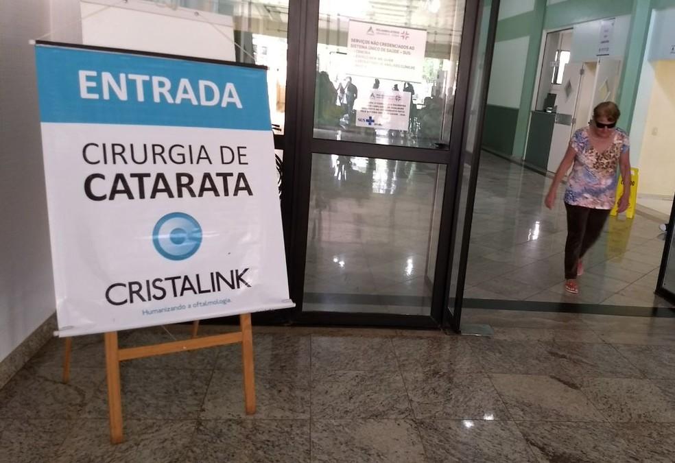 Mutirões de consultas, exames e cirurgias oftalmológicas vinhm sendo feitos no Poliambulatório do Porto Meira (Foto: Fabiula Wurmeister/G1)