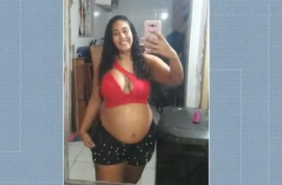 Thaysa Campos dos Santos, de 23 anos, estava grávida de 8 meses — Foto: Reprodução