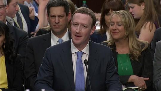 Facebook pagou pessoas para transcrever áudios de usuários