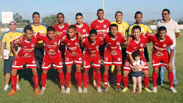 Equipe posa para foto oficial, antes do primeiro jogo das semifinais (Foto: Deberlima.blogspot.com)