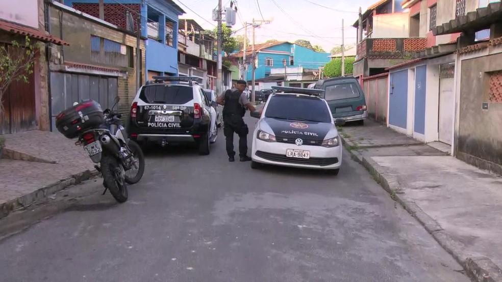Agentes tentam cumprir 118 mandados de prisão — Foto: Reprodução / TV Globo
