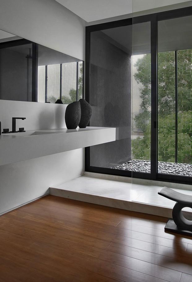 Chuveiros modernos: 6 banheiros com áreas molhadas impecáveis (Foto: Reprodução/Divulgação)