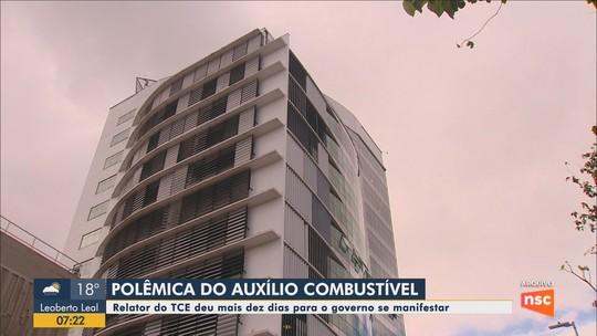 Relator do TCE dá dez dias para Carlos Moisés se pronunciar sobre o auxílio-combustível