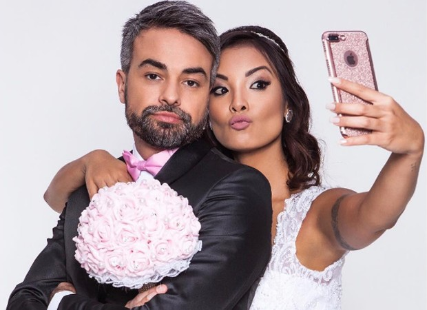 Márcio Kieling e Carol Nakamura estão no elenco de 'Até que a internet nos separe' (Foto: Reprodução/Instagram)