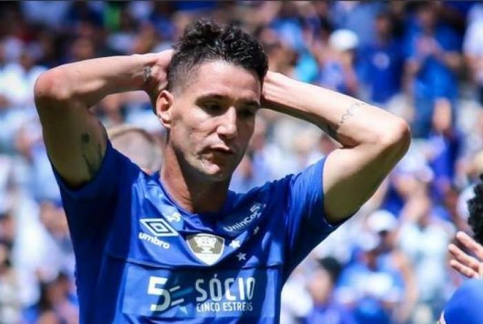 Jogador foi rebaixado com o Cruzeiro este ano