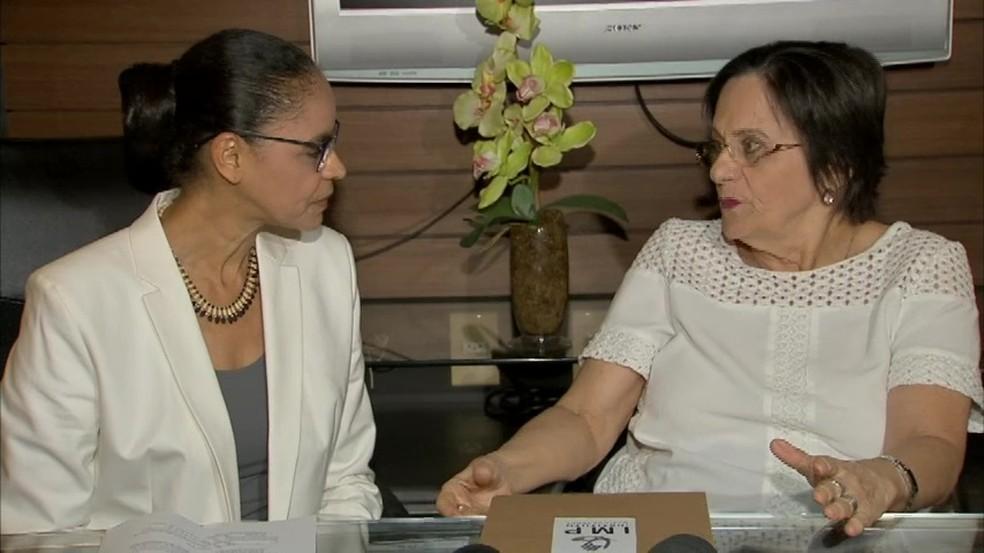 Marina Silva e a farmacêutica Maria da Penha durante evento em Fortaleza (Foto: Reprodução/TV Verdes Mares)