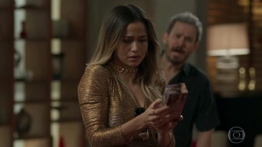 Sandra Helena vai retocar a tinta no cabelo? O que será que ela usa?