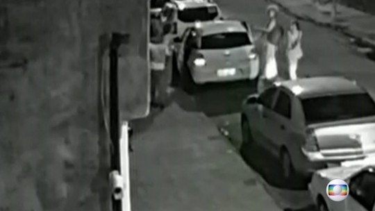 VÍDEO mostra ao menos 2 pessoas nos carros dos prováveis assassinos
