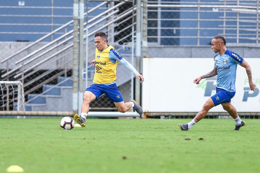 Pepê é tido como próximo jovem atacante da base para se firmar como titular — Foto: Lucas Uebel/Grêmio
