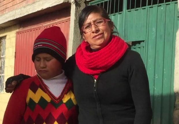 """Irma Estrella, mãe de Jhan Estrella: """"meu filho tem chumbo no sangue"""" (Foto: BBC)"""