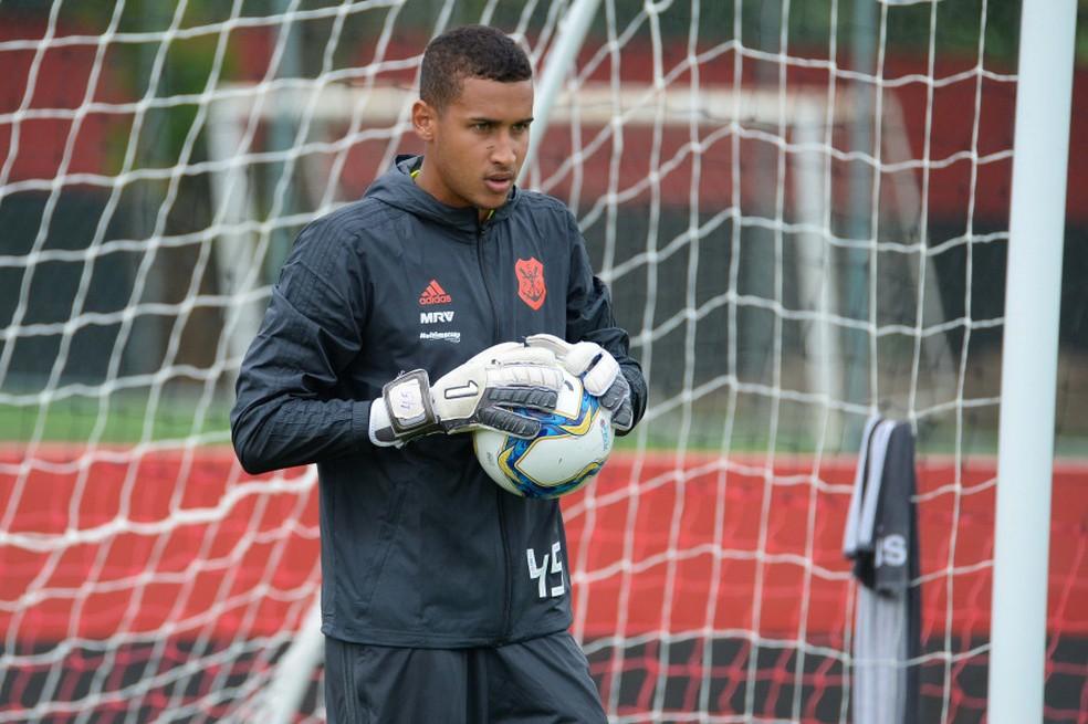 Gabriel Batista terá oportunidade no gol do Flamengo depois de um ano — Foto: Alexandre Vidal / Flamengo