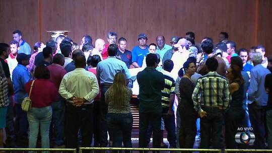 Morto em ataque, corpo de Zé Gomes é velado em Itumbiara, Goiás