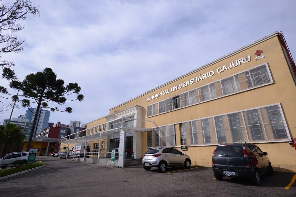 Hospital de Curitiba realiza bazar beneficente com produtos doados pela Receita Federal