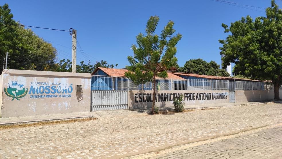 Emanuela Medeiros era aluna do 9º ano da Escola Municipal Antônio Fagundes, em Mossoró — Foto: Isaiana Santos/Inter TV Costa Branca
