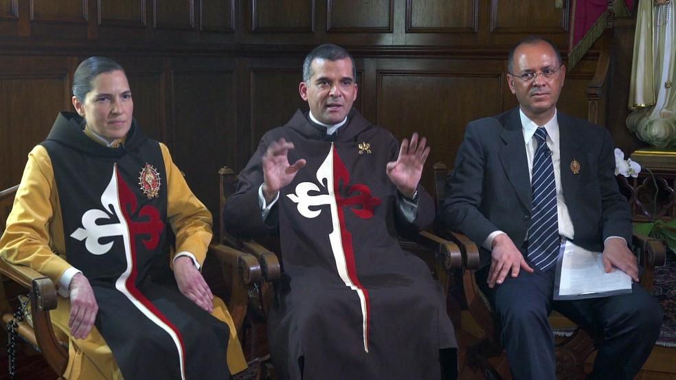 Representantes dos Arautos do Evangelho negam denúncias — Foto: TV Globo/Reprodução