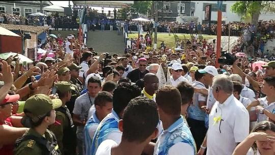 Fiéis acompanham quatro procissões Círio de Nazaré em Belém