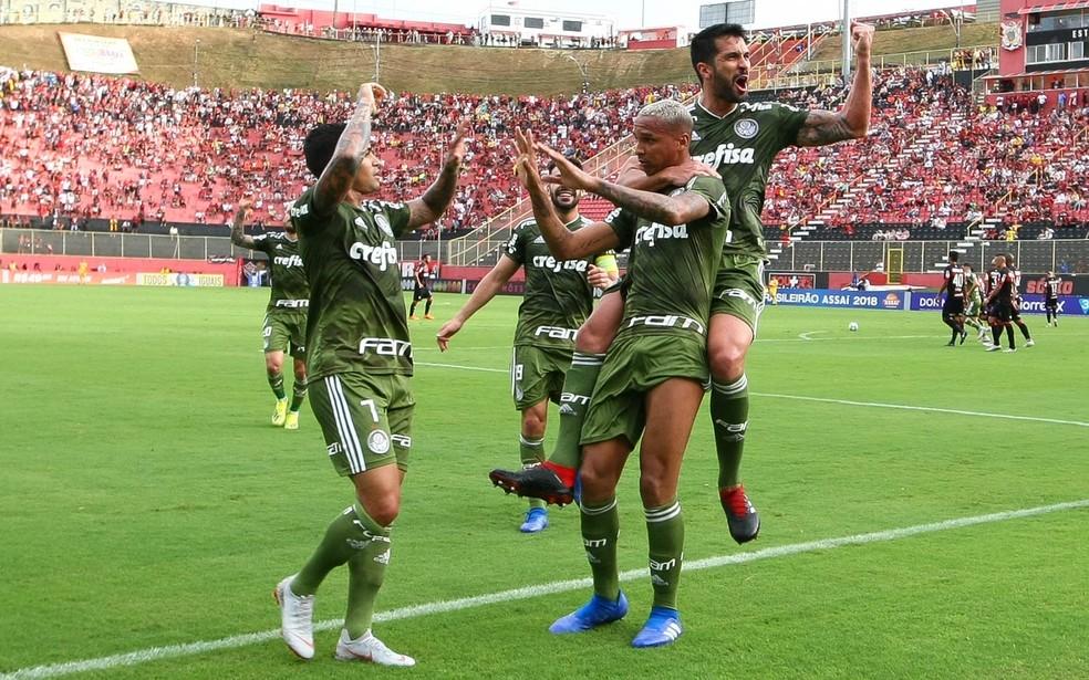 ... Palmeiras fez a festa de seus torcedores e dos cartoleiros — Foto   César Greco   c17d4b3ab6dcd