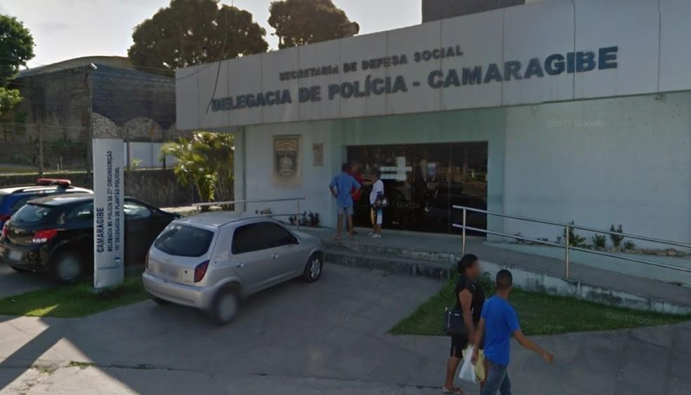 Homem foi preso pela Delegacia de Camaragibe, no Grande Recife — Foto: Reprodução/Google Street View