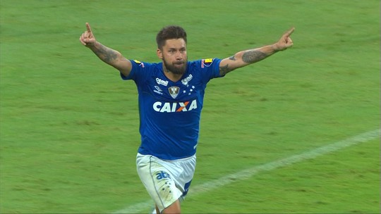 Sobis quebra jejum do ataque e decide contra Palmeiras em jogo 100 pelo Cruzeiro