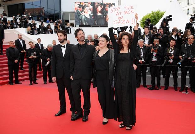Manal Issa protesta no Festival de Cannes (Foto: Getty Images)