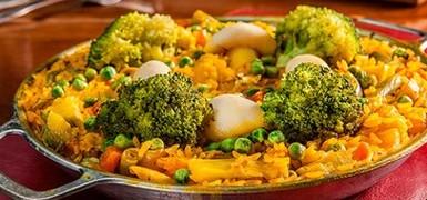 Paella leva champignon, brócolis, berinjela e brócolis (Divulgação)