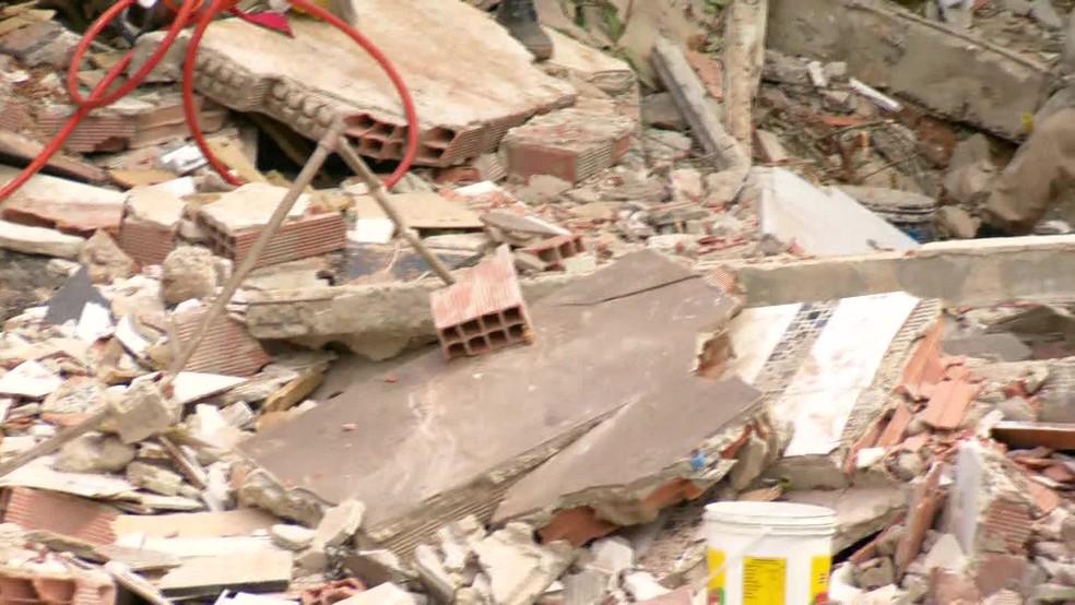 Desabamento em Niterói deixa mortos â?? Foto: Reprodução/TV Globo