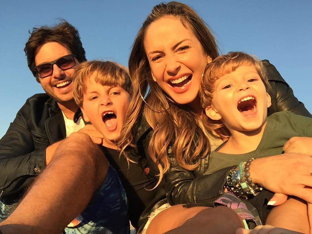 Claudia Leitte compartilha registro raro da família completa (Foto: Reprodução/Instagram)