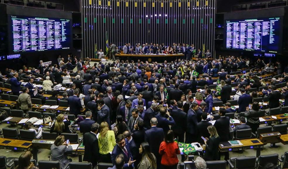 Plenário da Câmara aprova em 1º turno o texto-base da reforma da Previdência — Foto: Gabriela Biló / Estadão Conteúdo
