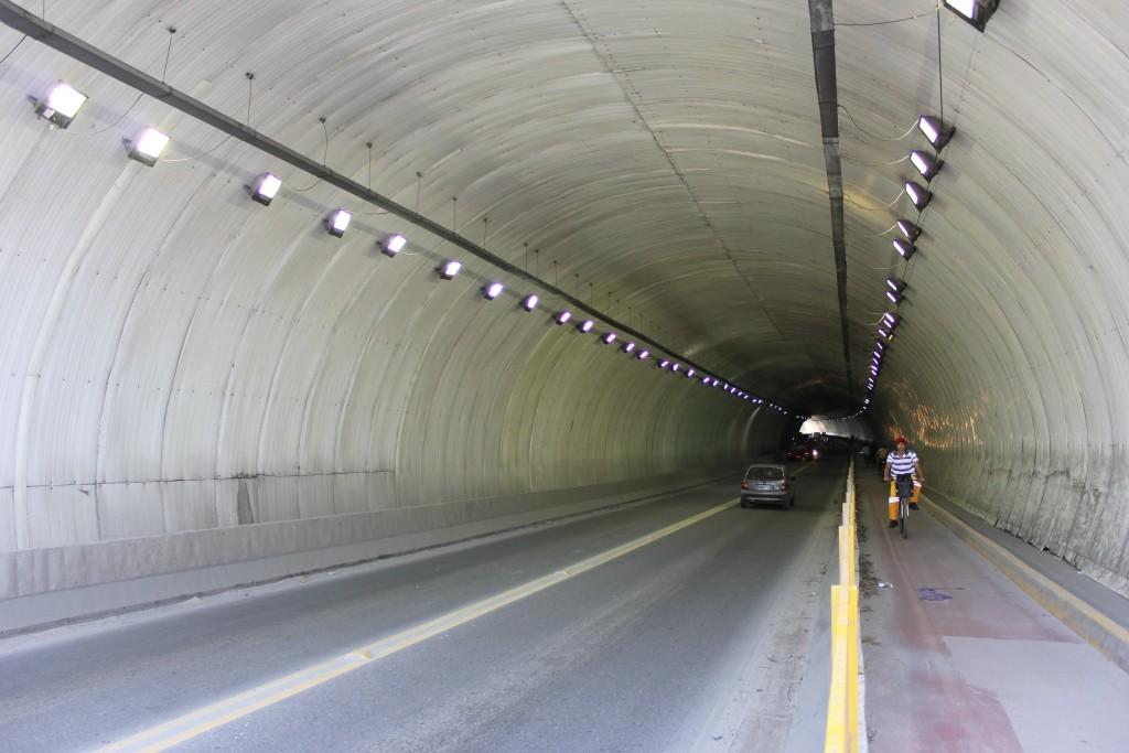 Túnel da Vila Zilda, em Guarujá, é liberado para o tráfego neste fim de semana