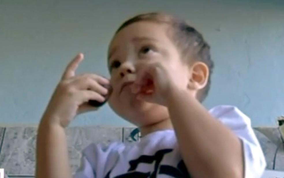 Davi Miguel, de 3 anos, tem problemas renais e precisa de um transplante — Foto: TV Anhanguera/Reprodução
