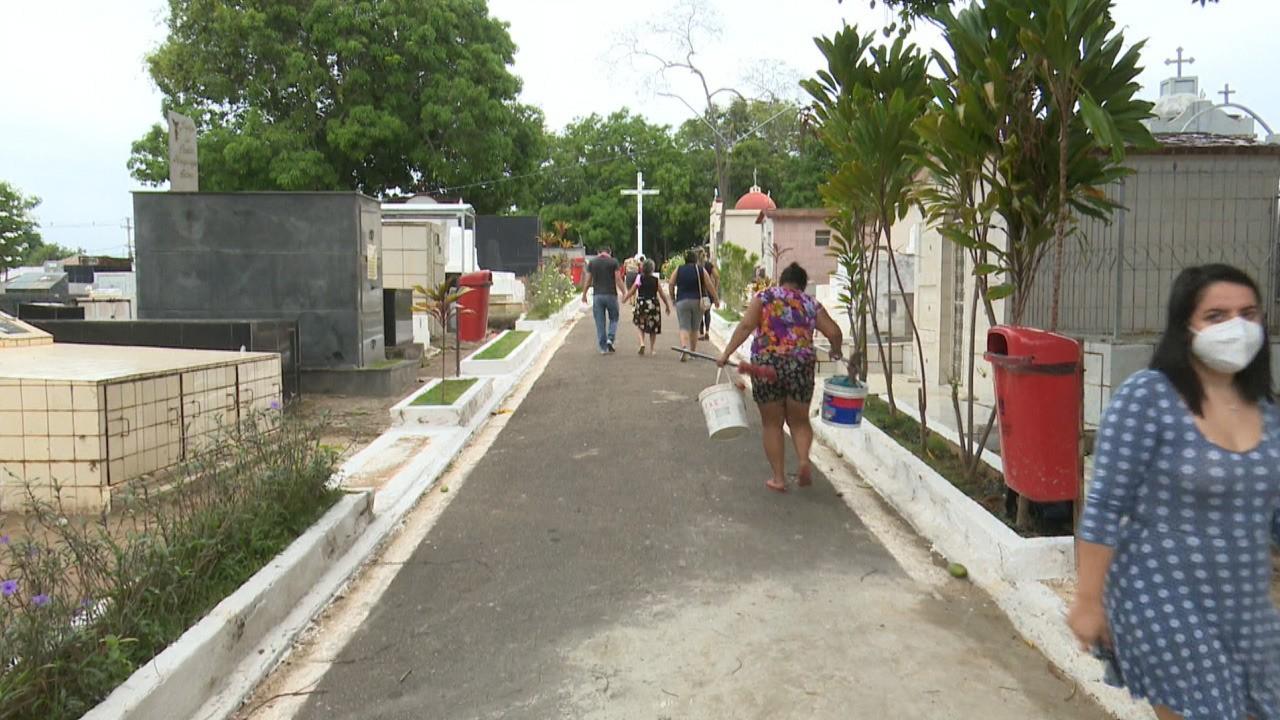 Visita ao cemitério é antecipada para evitar aglomeração