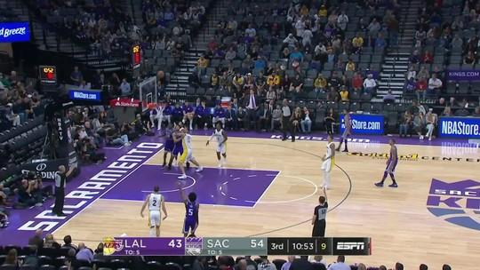 Kings apagam fogo dos Lakers e vencem com sobras em Sacramento