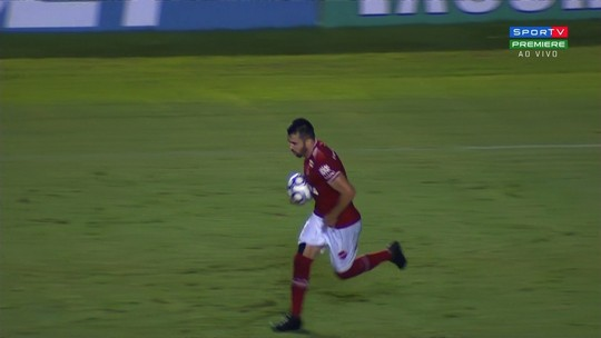 Gol do Vila Nova! Elias gira e marca contra o Criciúma!