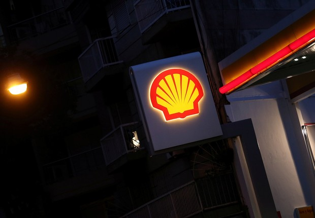 Logo da Shell é visto em posto de gasolina em Buenos Aires, na Argentina  (Foto: Marcos Brindicci/Reuters)