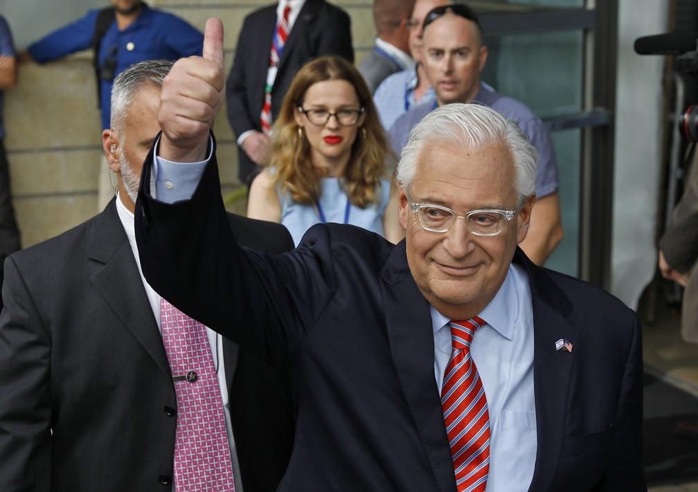 Embaixador americano David Friedman chega à inauguração da embaixada em Jerusalém nesta segunda (14) (Foto: AFP/Menahem Kahana)