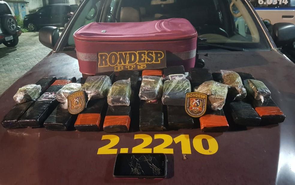 Droga encontrada em mala de jovem que tentava levar droga para Ilha de Itaparica  — Foto: Divulgação/SSP-BA